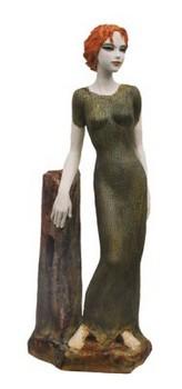heilige-barbara-skulptur-keramik-kurze-haare